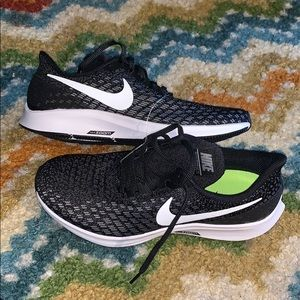 Brand NEW Nike Air Zoom Pegasus 35 women 9.5